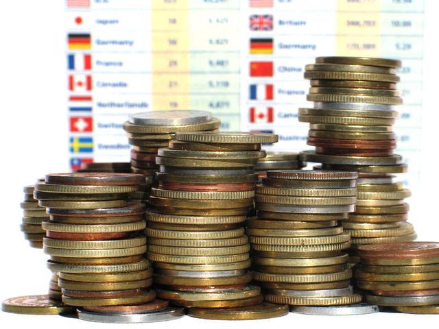 economy-crisis-2-1236979-640x480
